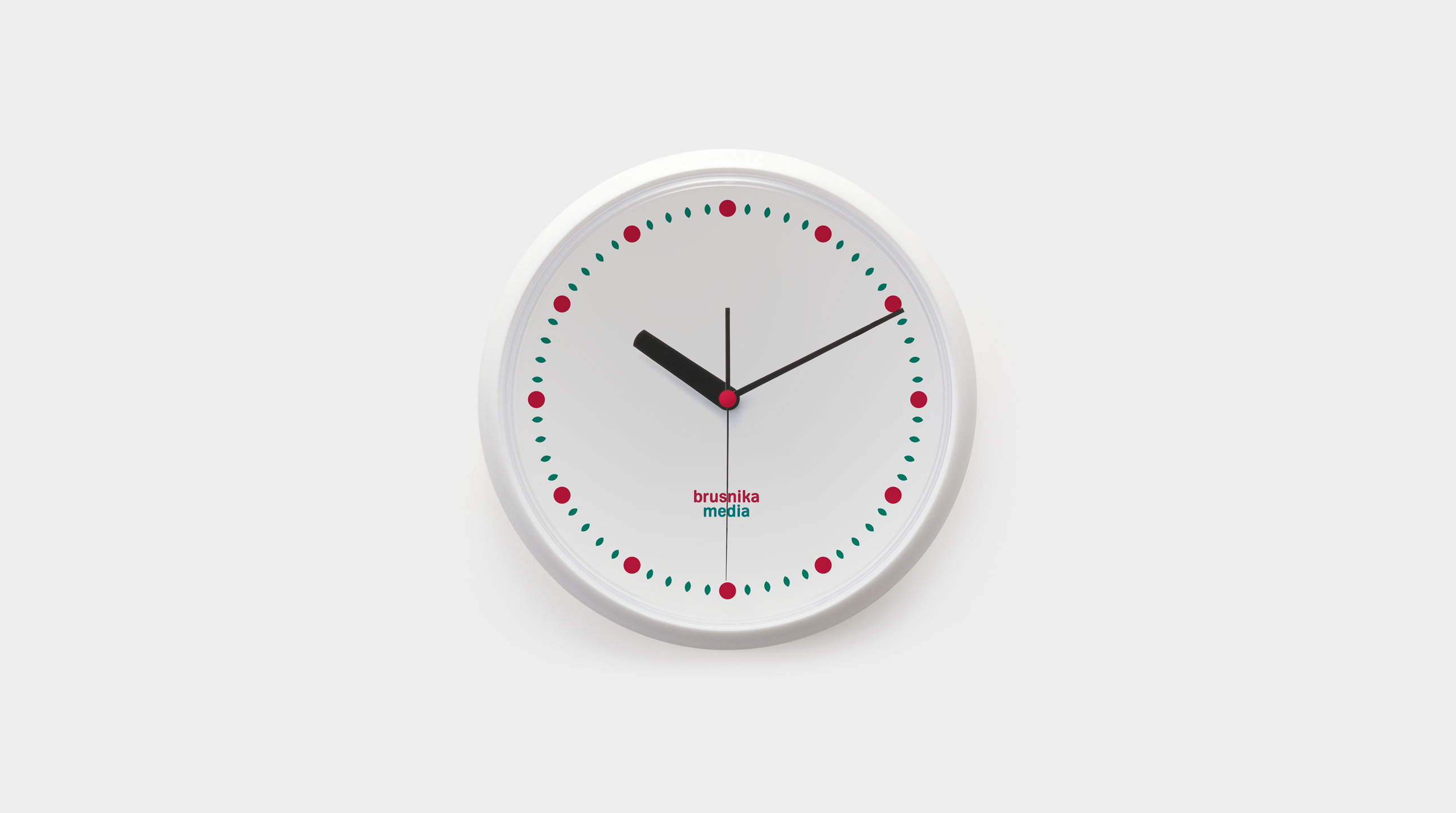 brusnika-media clock
